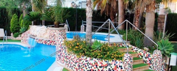 Holiday Studio in Fuengirola with jacuzzi in the gardens