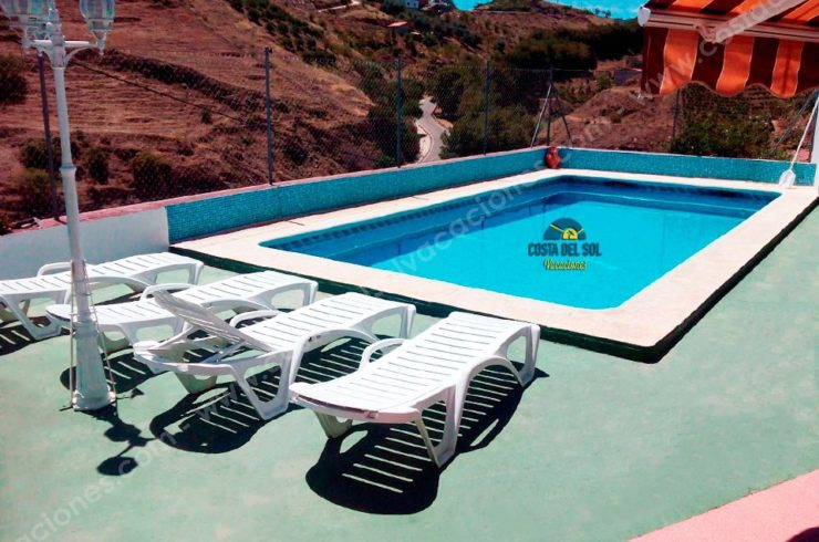 Holiday Rural House with swimming pool in Almáchar, Málaga