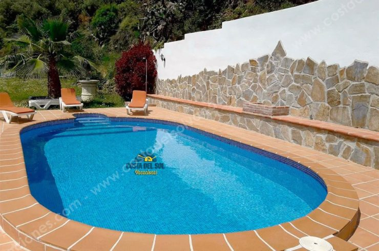 Cottage with Jacuzzi a few minutes from the beaches of Torrox